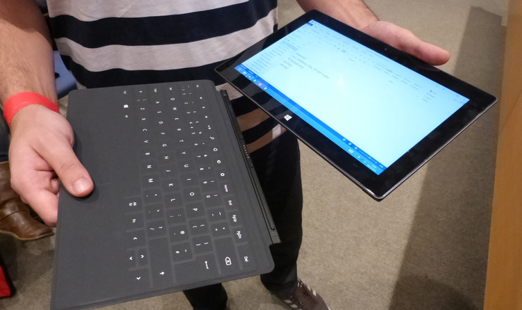 Full microsoft surface keyboard snapping