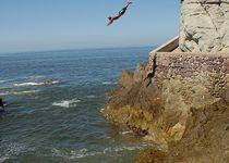 Thumb 514px cliff diver