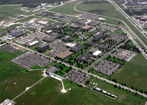 Thumb aerial view of the johnson space center   gpn 2000 001112