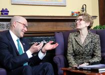 Thumb ambassador jacobson meets with ontario premier