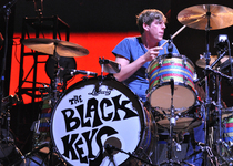 Thumb patrick carney of black keys coachella 4 20 12