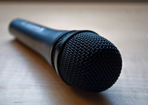 Thumb sennmicrophone